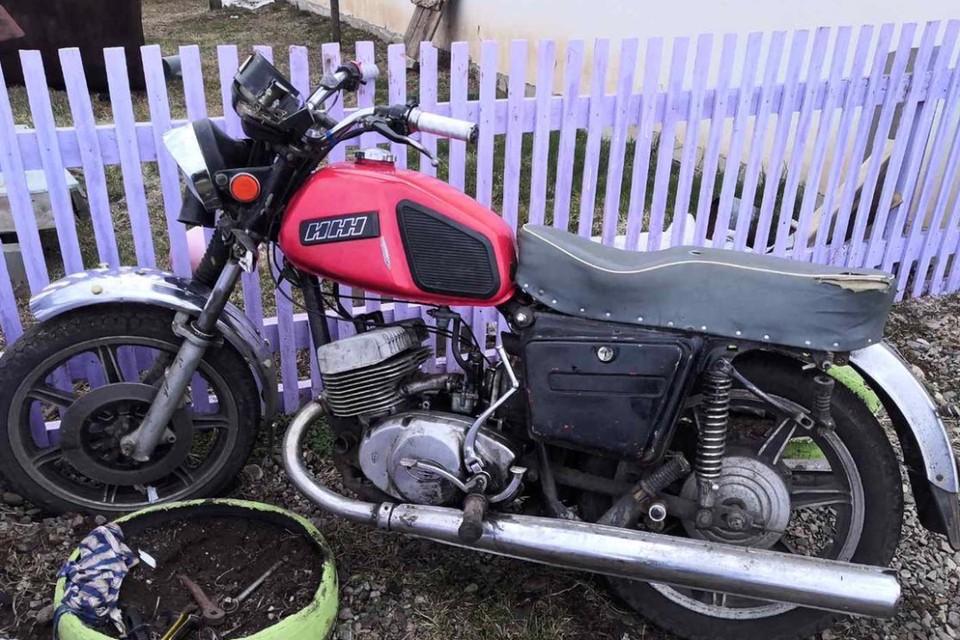 Двое подростков пострадали, сбив коня на мотоцикле в Эхирит-Булагатском районе