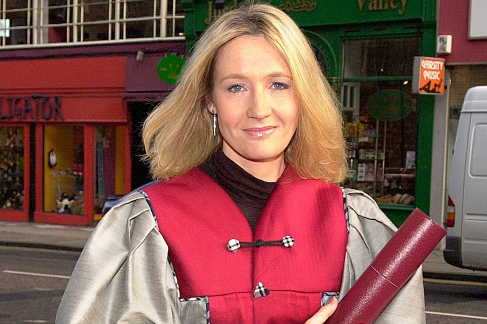 Создательница саги о Гарри Поттере оказалась в центре скандала.