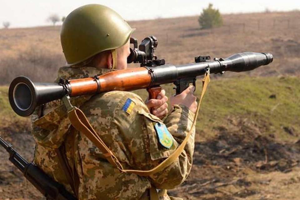 Украинские боевики обстреляли из гранатометов Новоласпу. Фото: штаб ООС