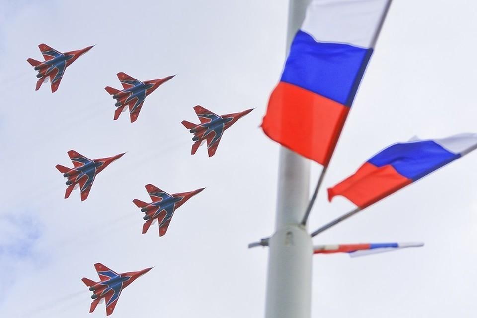 Авиация примет участие в параде Победы в четырех городах Центрального военного округа