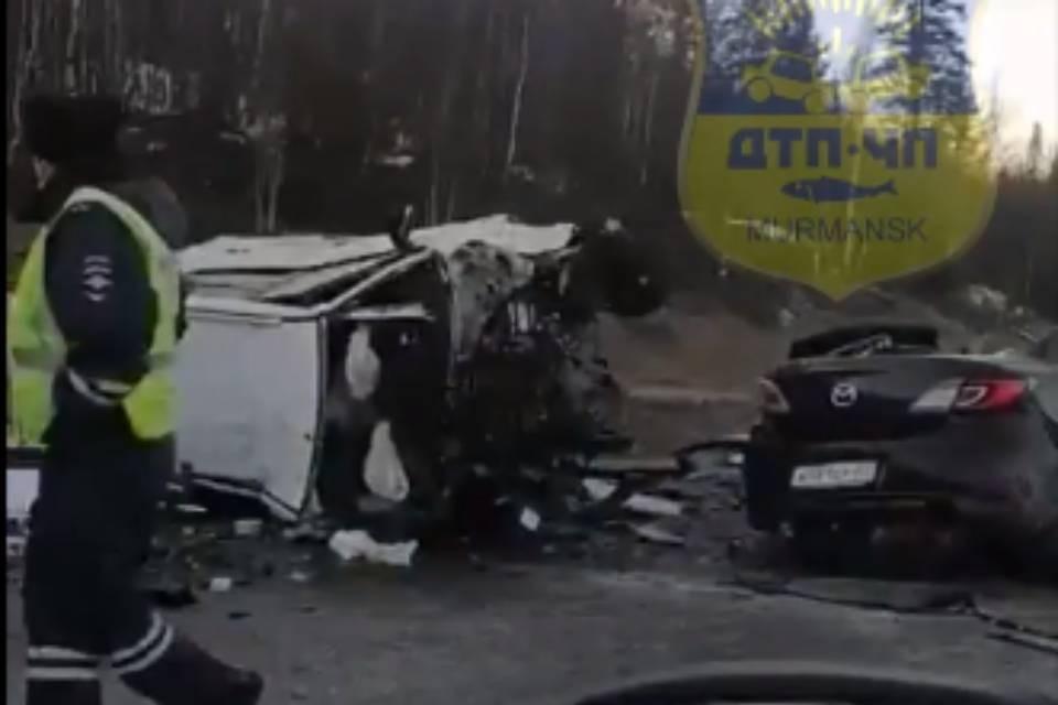 Две машины столкнулись под Магнетитами. Фото: скриншот видео