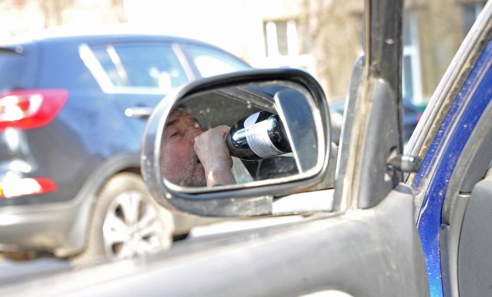 За миг до аварии петербуржец решил сесть за руль своего «Форда» пьяным.