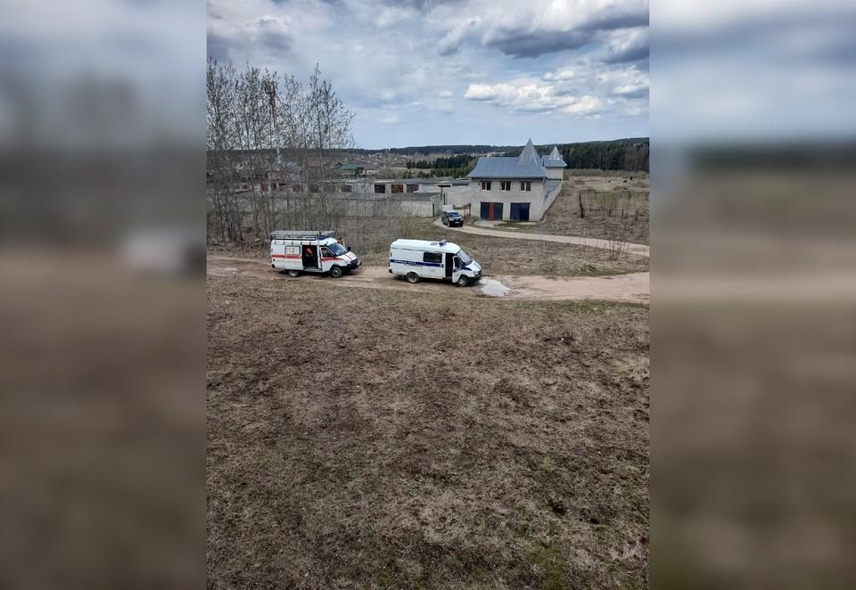 В Соликамске нашли погибшим мужчину.