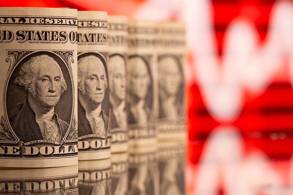 «Новые» деньги правительство вливает в экономику, львиную долю напечатанных долларов власти США раздают в качестве помощи простым людям и компаниям