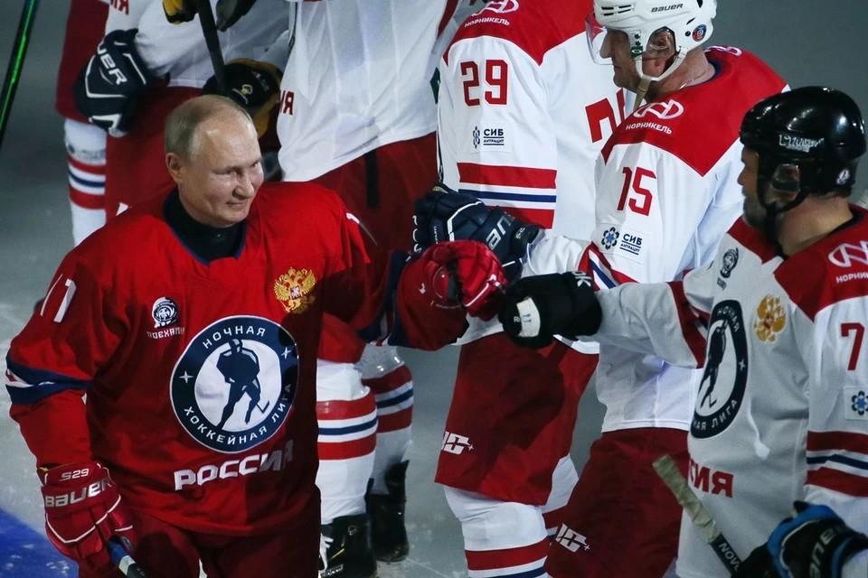 Команда Путина победила в матче Ночной хоккейной лиги со счетом 13:9. Фото: Дмитрий Феоктистов/ТАСС