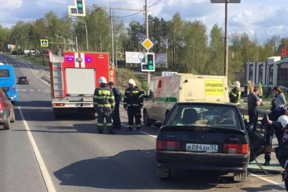 В Советском районе Брянска 11 мая произошло ДТП, в котором столкнулись два легковых автомобиля.