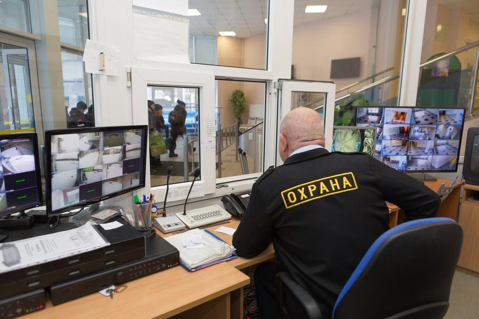 По словам главы столицы Татарстана. охранять школы будут только профессионалы своего дела.