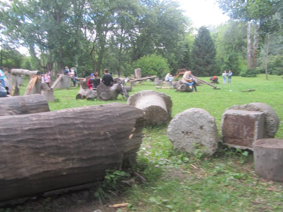 Работы проходят в парках и скверах с мая по сентябрь