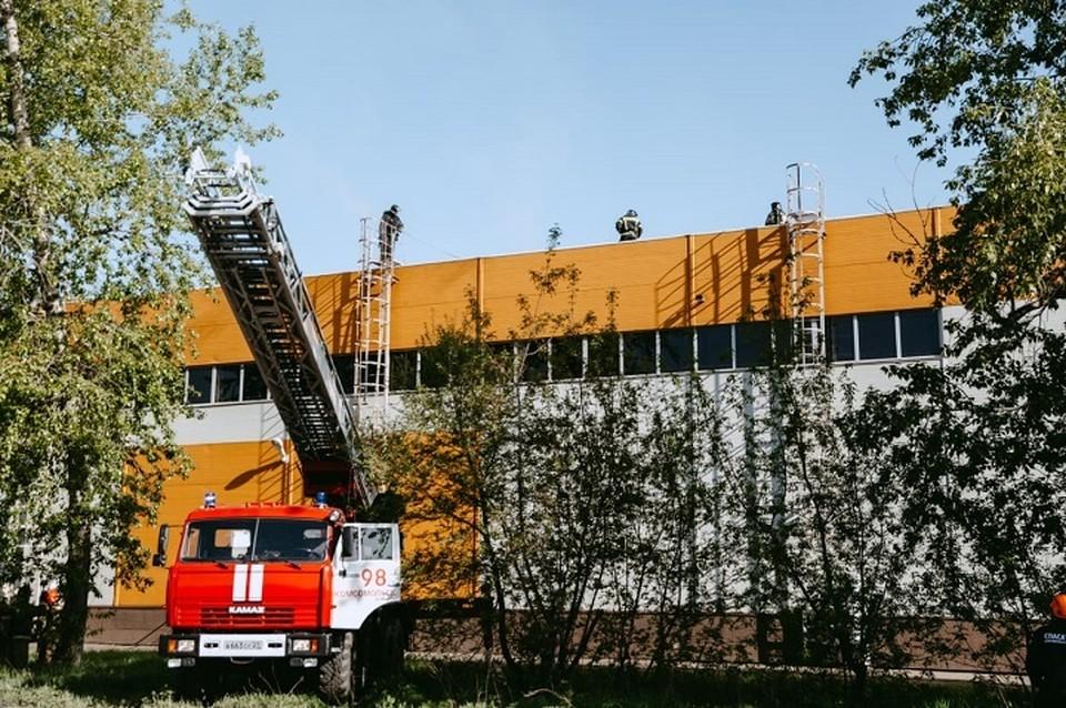 Торговый центр «Выбор» загорелся в Комсомольске