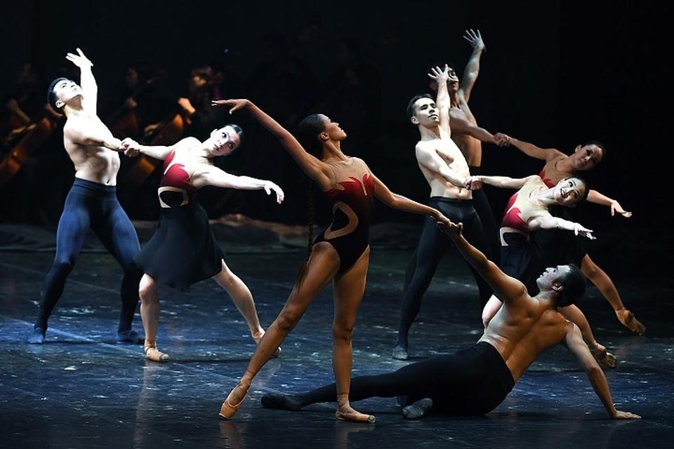 Театр подготовил несколько громких премьер, среди которых выделяется знаменитый «Спартак» Хачатуряна.