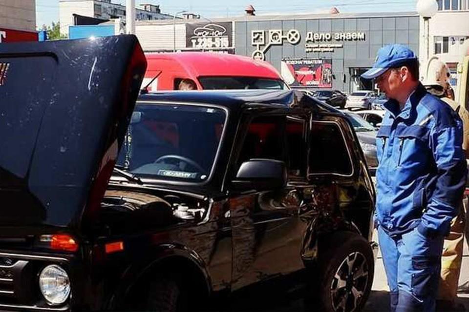 Водителя пришлось деблокировать спасателям Фото: instagram.com/pss_izh
