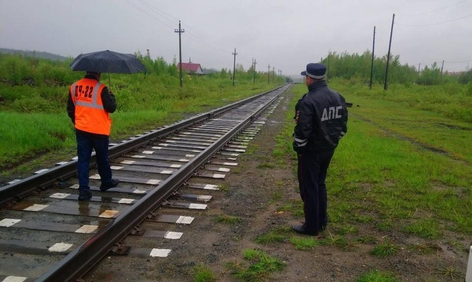 В Октябрьском районе проверили железнодорожные переезды Фото: Администрация Октябрьского района