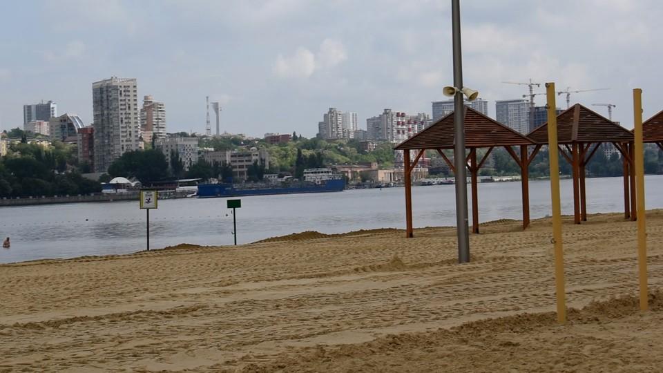 1 июня в городе официально заработают только два пляжа. Фото: СЕЛИМОВ Артур.