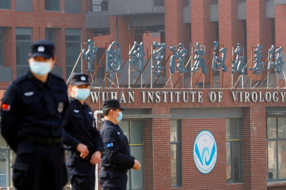 Комиссия ВОЗ, побывавшая недавно в китайском Ухане, назвала лабораторное происхождение вируса «наименее вероятным»
