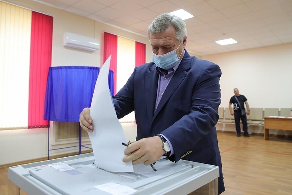 Губернатор отдал свой голос на счетном участке Фото: сайт правительства РО