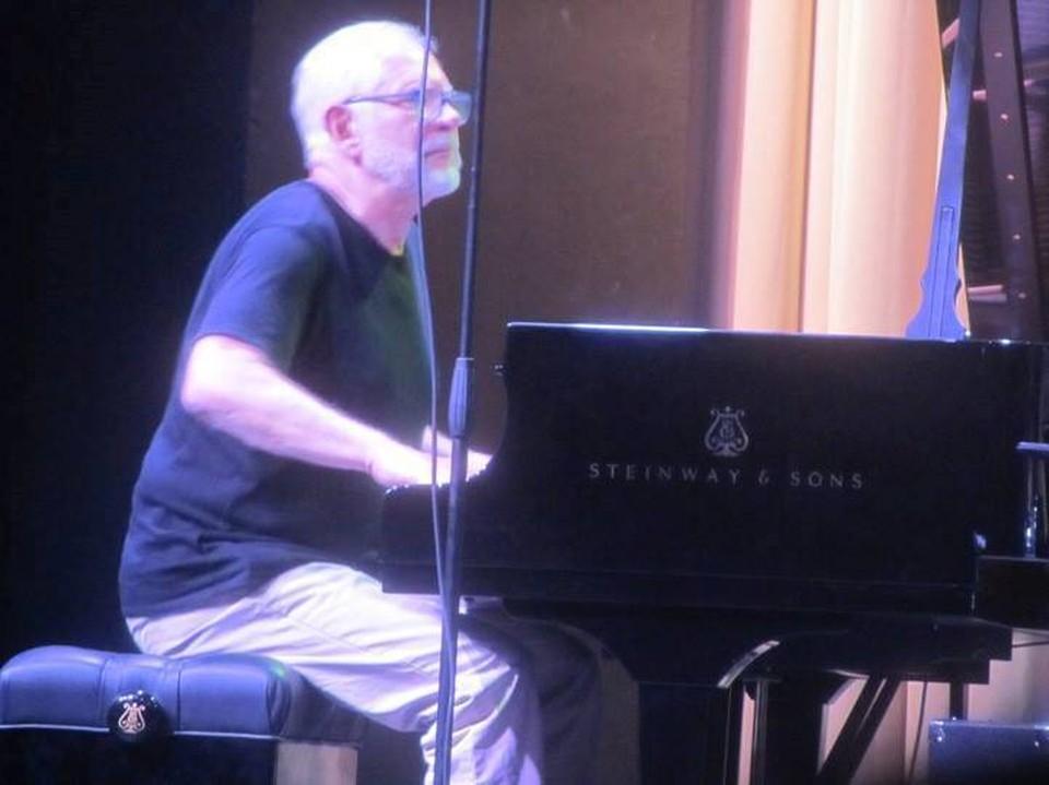 Первыми сыграют Леонид Винцкевич и гитарист Олег Овчаренко