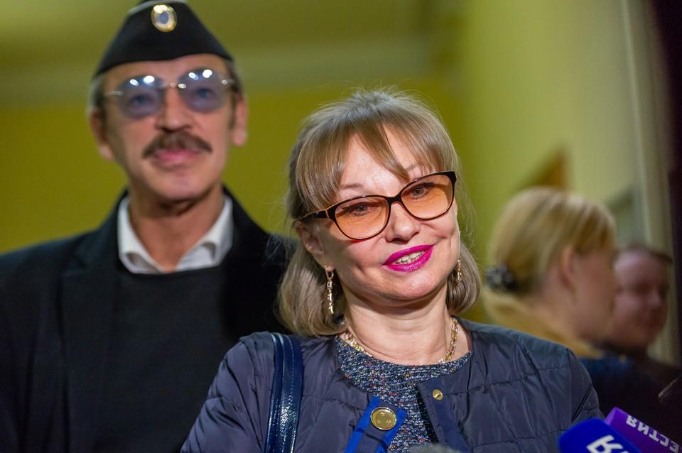 Народная артистка России Лариса Луппиан является худруком в Театре имени Ленсовета.