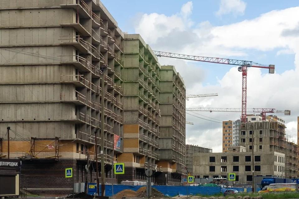 В Петербурге рабочий чудом выжил, упав с 12 этажа строящегося дома.