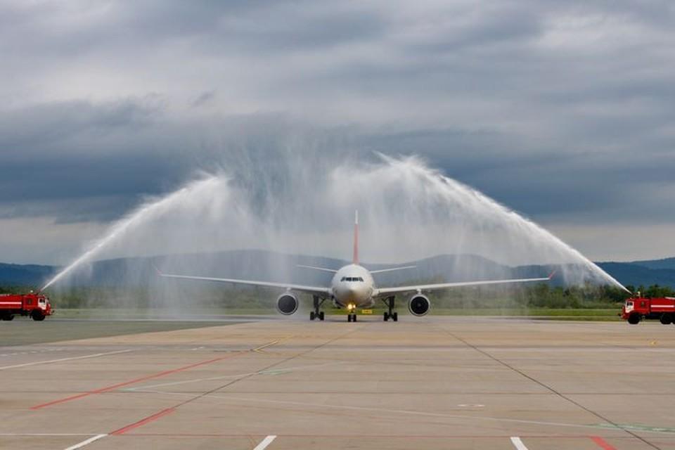 Прямой рейс связал Владивосток и Санкт-Петербург. Фото:www.vvo.aero.