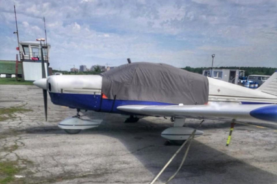 Суд оштрафовал сибиряка на 100 тысяч рублей за проведение экскурсий на поврежденном самолете. Фото: УТ МВД по СФО.