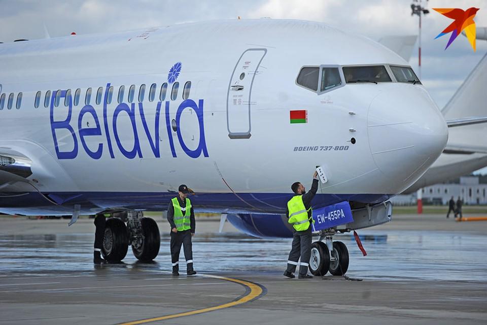 Киев введет санкции против Минска, если хоть один белорусский самолет приземлится в Крыму.