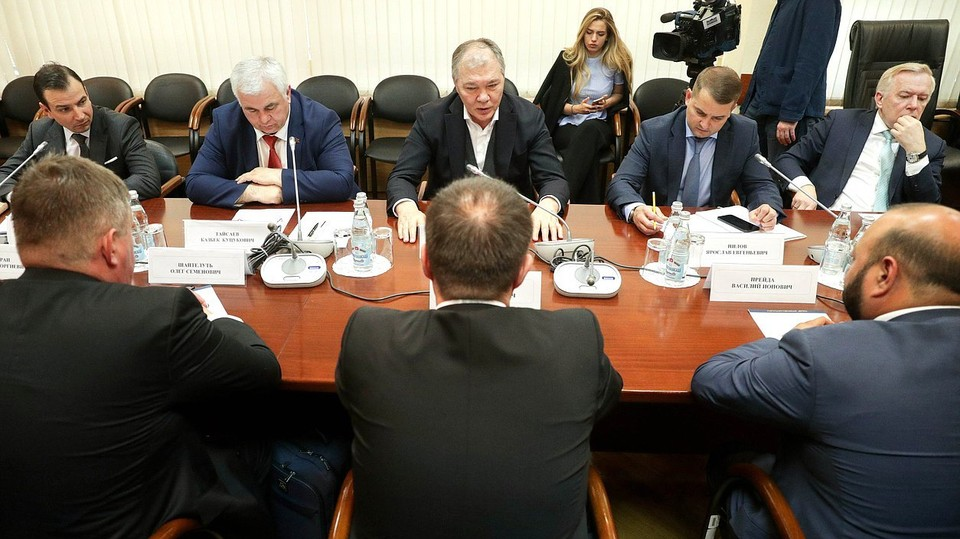 Леонид Калашников выразил признательность гражданам Молдовы за сохранение исторической памяти, интерес к русскому языку и культуре. Фото: duma.gov.ru