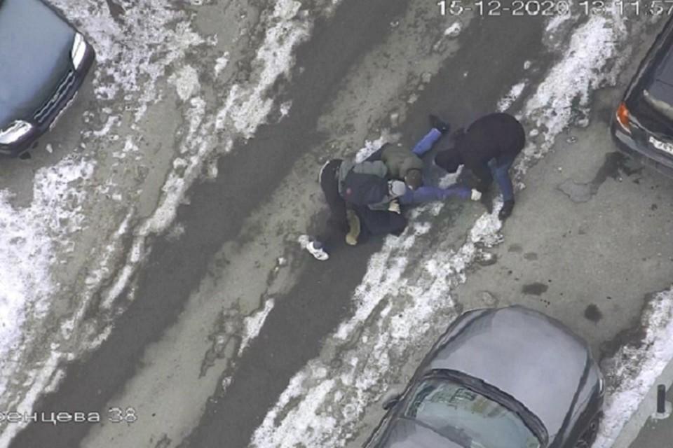 Второй участник банды объявлен в розыск. Фото: УМВД по Екатеринбургу