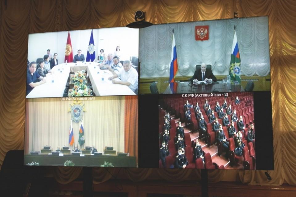 Глава СК почтил память Токтогон Алтыбасаровой. Фото: СК РФ
