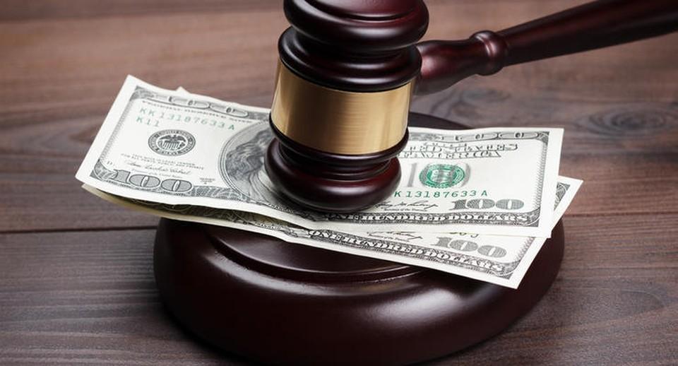 Основной источник дохода молдавских судей - богатые и щедрые родственники и друзья (Фото:depositphotos.com).