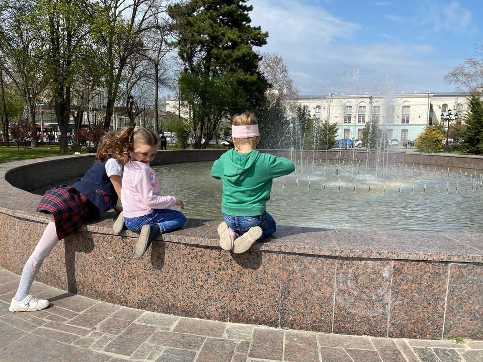 По планам властей, к 2024 году в республике обещают разрешить проблему с очередями в детские сады.