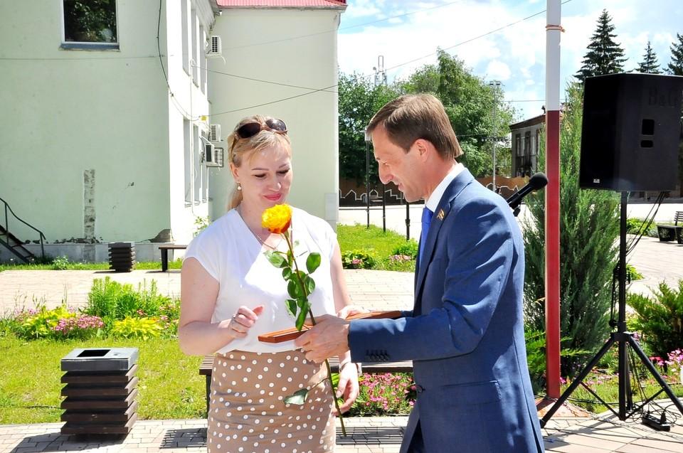 Александр Живайкин отметил отличившихся работников