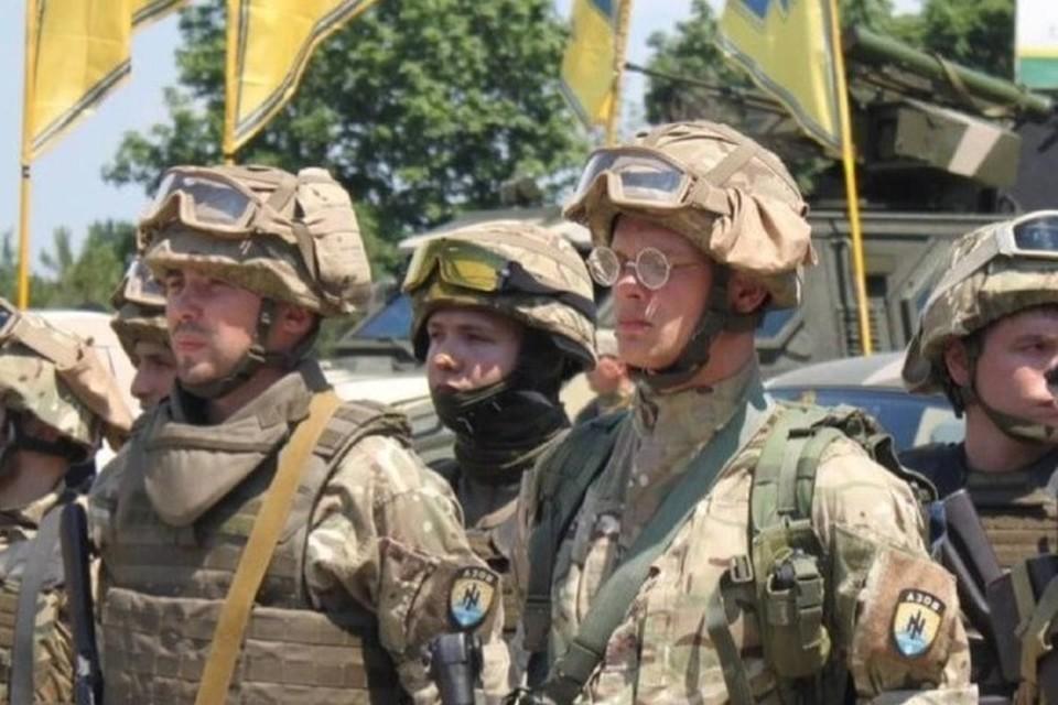 Протасевич (в центре во второй шеренге) в составе карательного батальона участвовал в боевых действиях на территории Донбасса. Фото: Из материалов дела на Протасевича