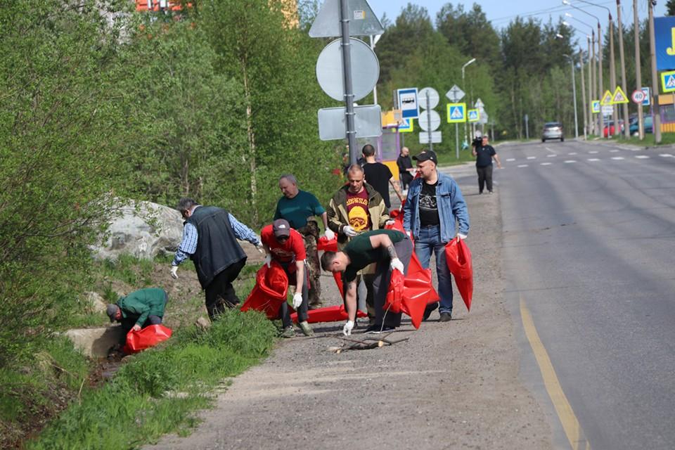 Экологическая акция проходит в Полярных Зорях в первую неделю лета уже в 16-й раз. Фото: Пресс-служба Кольской АЭС
