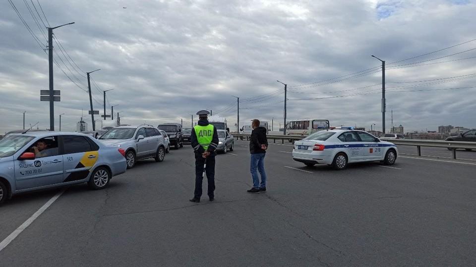 Автомобилистов просят ехать в объезд