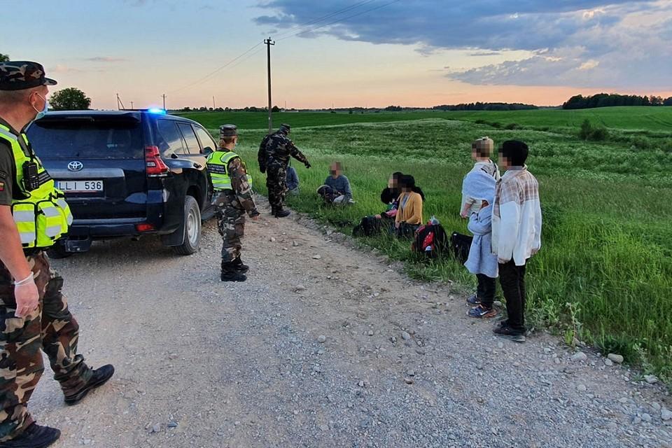 Власти Литвы фиксируют небывалый наплыв нелегальных мигрантов через территорию Беларуси. Фото: pasienis.lt
