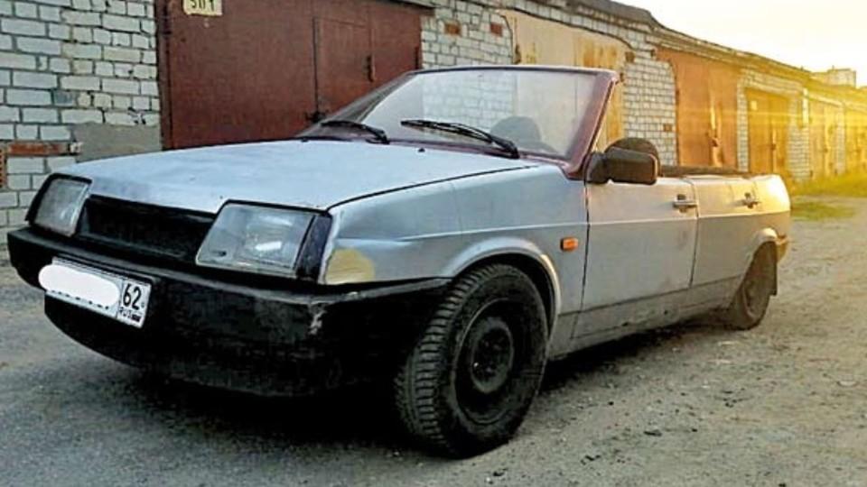 По Рязани разъезжает кабриолет из «Лады». Фото: Рязанские ведомости.