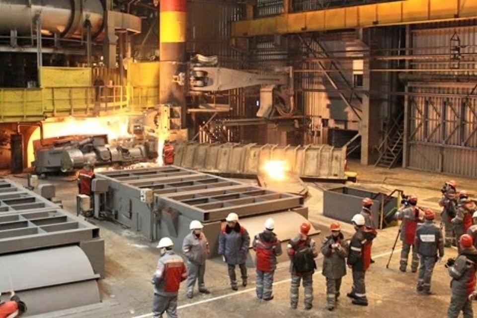 На Енакиевском металлургическом заводе работникам задолжали зарплату за несколько месяцев. Фото: enakievo.org