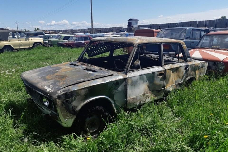 В Красноярском крае отсидевший за сбитого пешехода сжег свой автомобиль назло инспекторам ДПС. Фото: пресс-служба ГИБДД