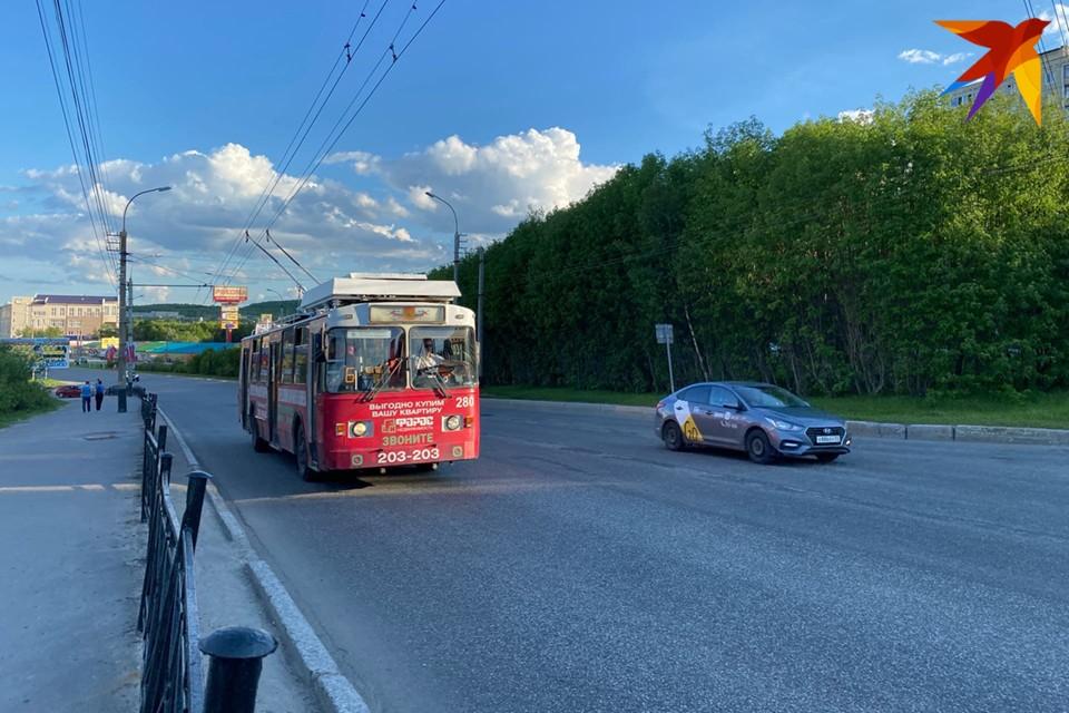 """Кстати, 12 июня на центральной площади города с 9 утра можно будет полюбоваться на выставку техники от АО """"Электротранспорт""""."""
