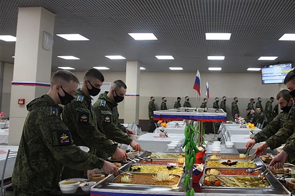 Аты-баты, шли солдаты: как в стране менялся армейский стол.