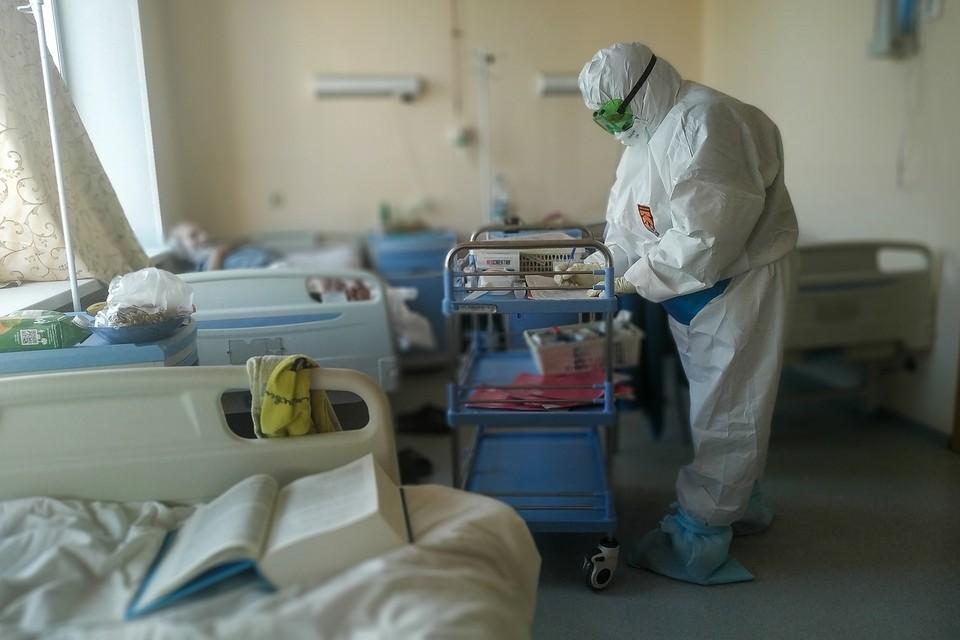 Семь человек скончались от коронавируса за минувшие сутки.