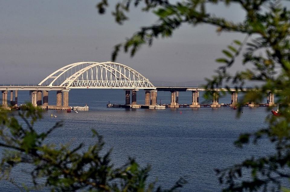 В Незалежной долго отрицали строительство Крымского-Керченского моста, и до сих пор существуют упоротые, утверждающие, что мост – это или голограмма, или декорации «Мосфильма»