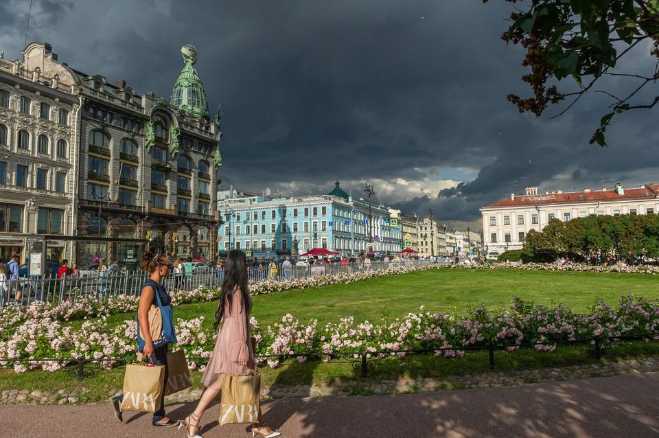 Аномальная жара и грозы ждут Петербург 10 июля