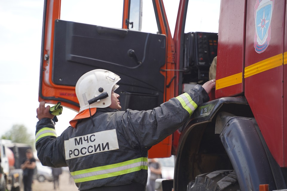 В Кемерове эвакуировались из-за пожара более 50 человек.