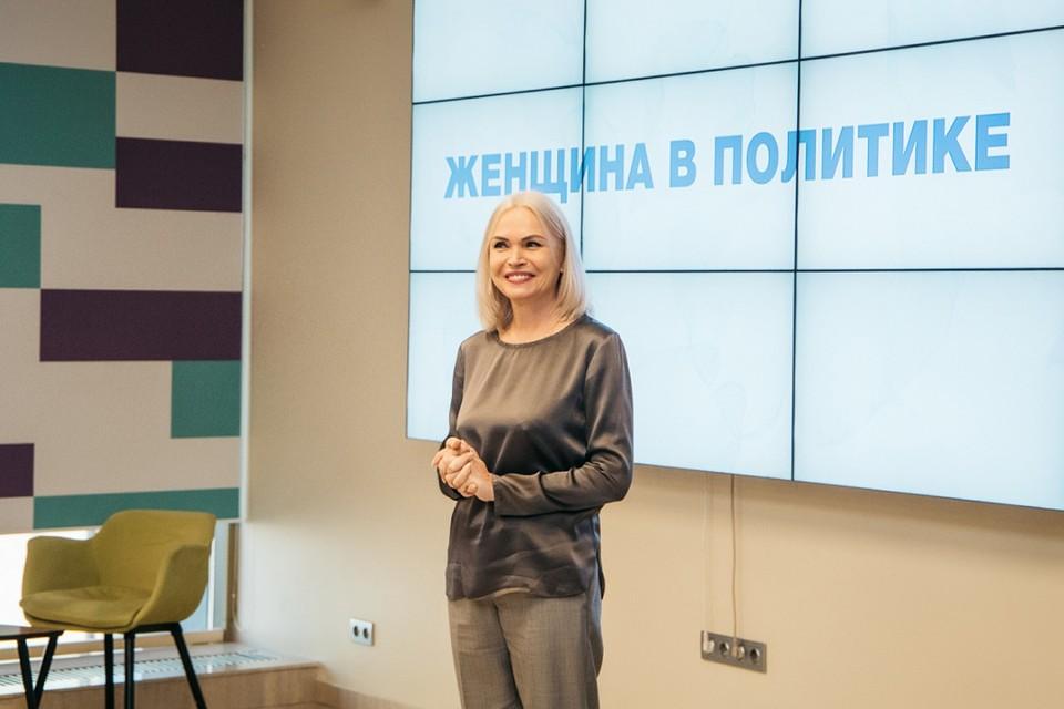 По мнению Ирины Белых, внесенные изменения сделают российское образование более современным и помогут школьникам в развитии способностей. Фото: Сергей НИКОЛАЕВ.