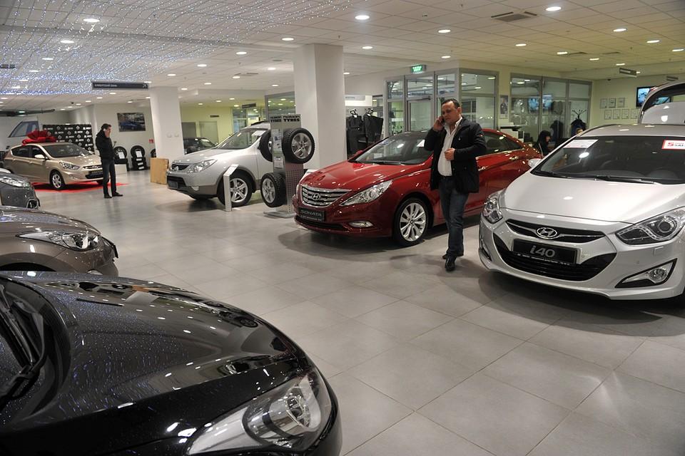 Всего за шесть месяцев россияне купили 870 749 новых машин - на 234 790 больше, чем годом ранее