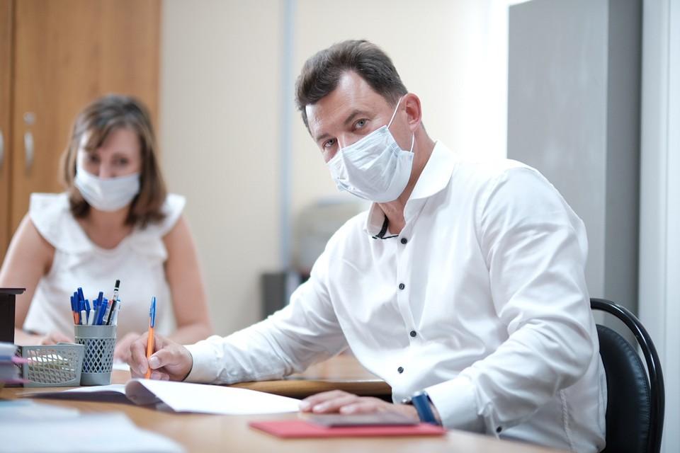 Роман Романенко 13 июля подал документы в избирательную комиссию для участия в выборах в Госдуму. Фото: Иван СТЕПАНОВ.