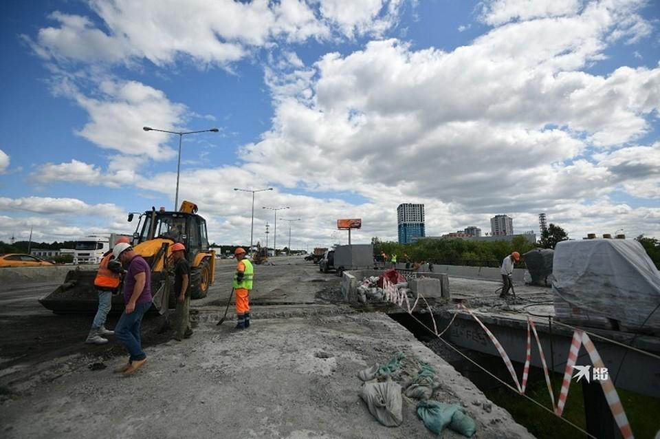 Затор образовался из-за ремонтных работ на мосту на Луганской - Объездной