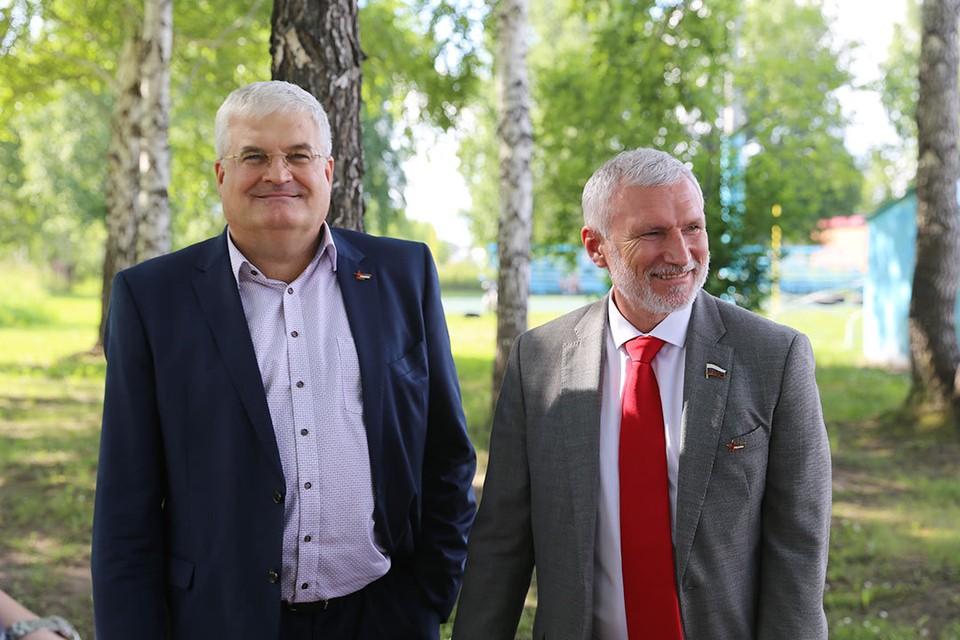 Вячеслав Илюхин (слева) и Алексей Журавлев. Фото: Дмитрий Макаров.
