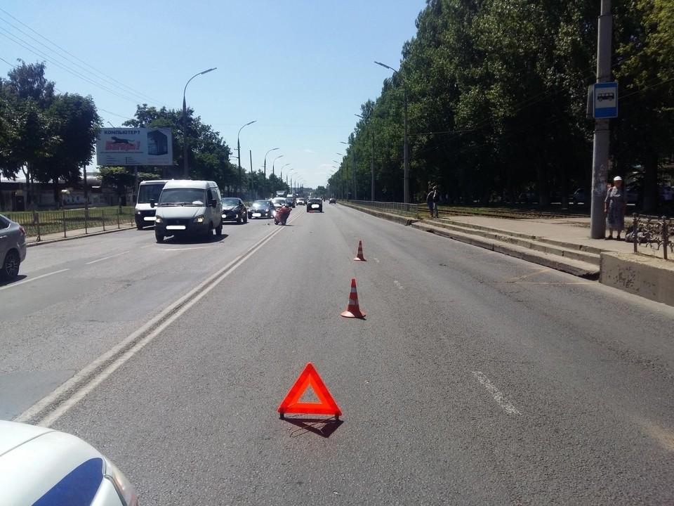 В Заводском районе Орла мотоциклист столкнулся с «Тойотой». Фото: Госавтоинспекция Орловской области